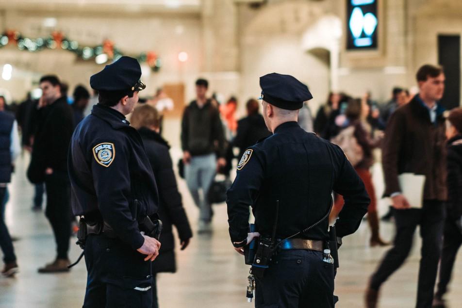 """На ночные поезд """"Укрзализныци"""" предлагают вернуть полицию после попытки изнасилования"""