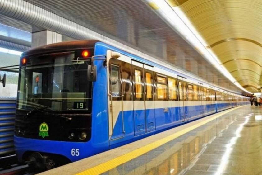 Нет мошенничеству: в киевском метро появился арт-поезд обучающего направления