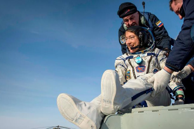 Американская астронавтка вернулась из космоса спустя год и выложила в сеть умилительное видео