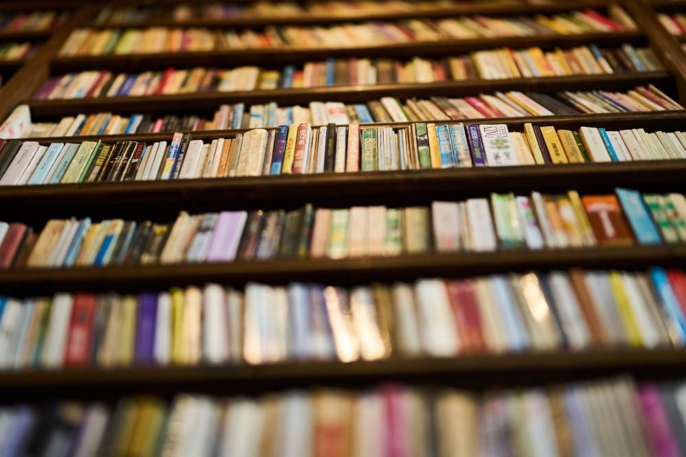 """Можно выдохнуть: власти заявили, что книжный рынок на """"Петровке"""" сносить не собираются"""