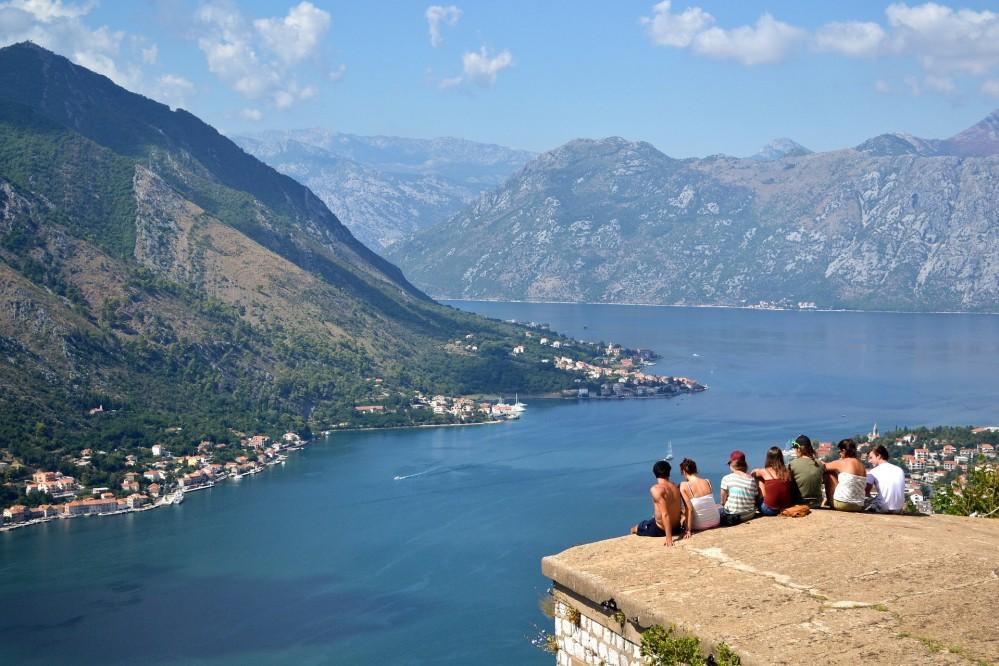 """Черногория включила Украину в """"зеленый"""" список и сняла ограничения для наших туристов"""