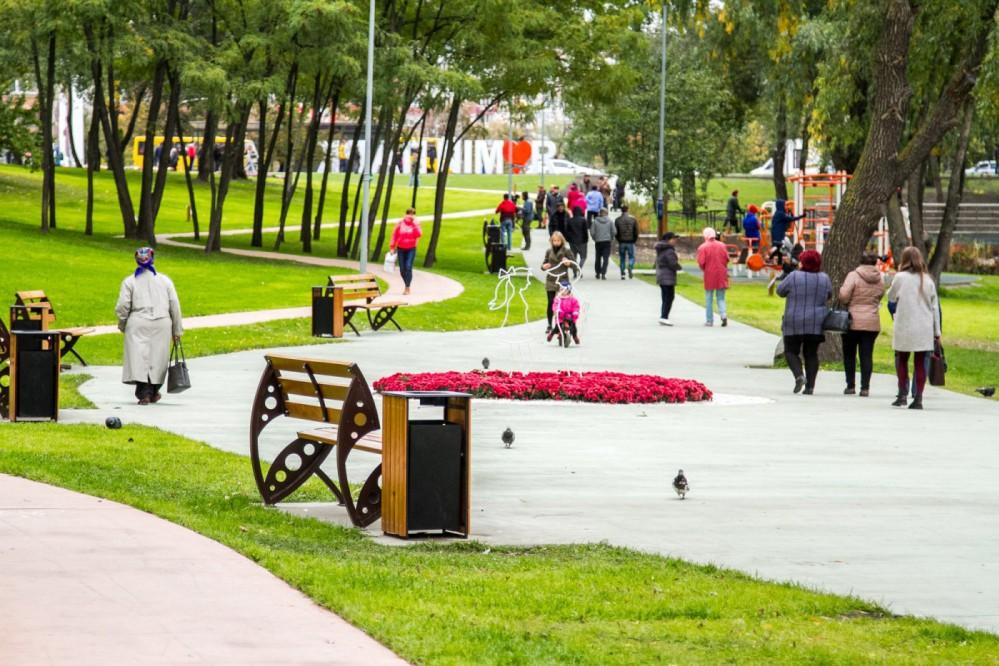 """В киевском парке """"Троещина"""" закончилась вторая очередь реконструкции: видео"""