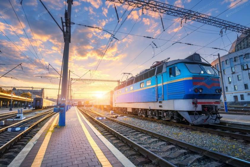 """""""Укрзализныця"""" продает билеты еще на четыре поезда дальнего сообщения"""