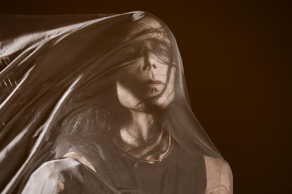 IAMX презентовал клип на песню Surrender из нового альбома Echo Echo