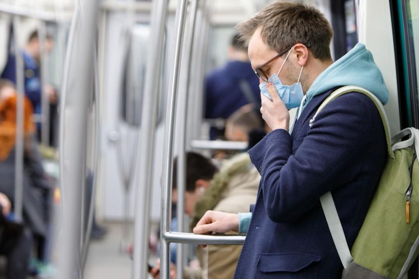 Карантин в Киеве: пассажиров в общественный транспорт будут пускать только в масках