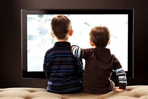 Украинские телеканалы будут транслировать уроки для школьников всех классов: список