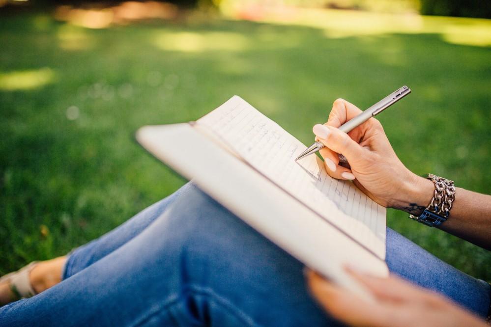 Поделитесь счастьем: киевлянам предлагают написать истории, которые потом войдут в книгу