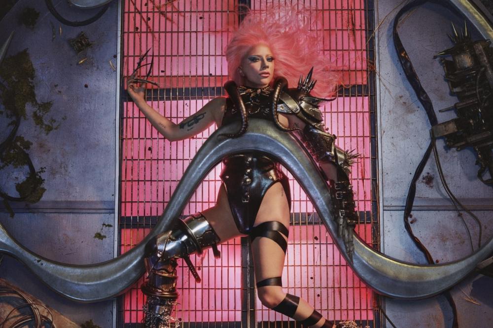 Спустя четыре года Леди Гага выпустила новый студийный альбом Chromatica