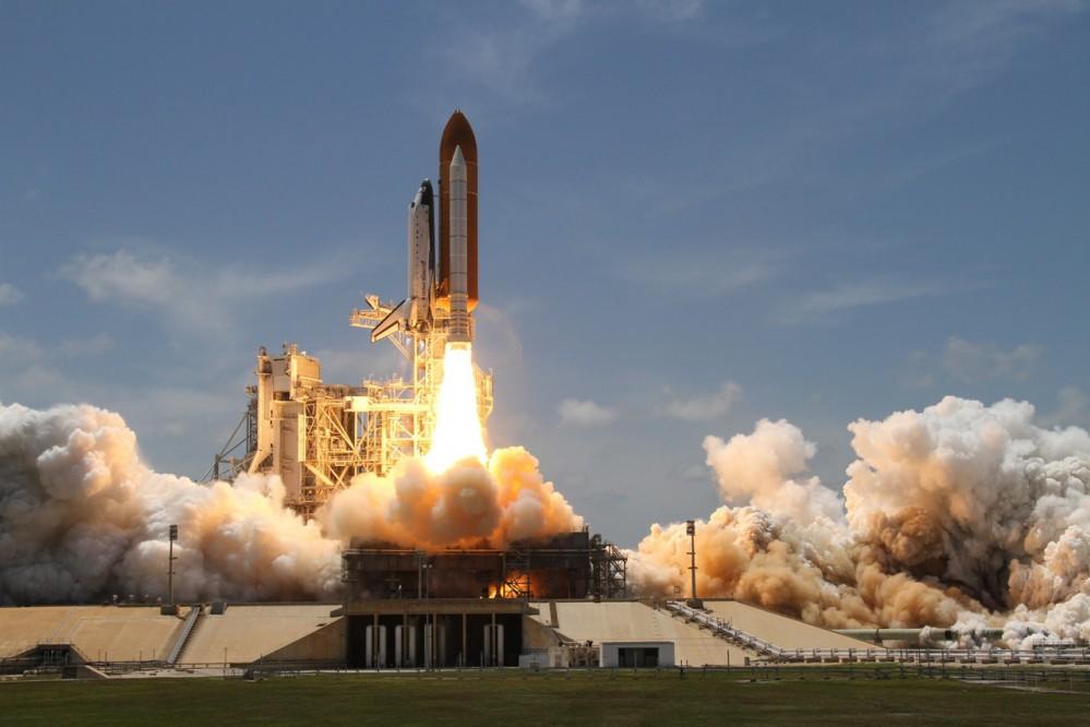Космический корабль Илона Маска взорвался во время испытаний. Видео