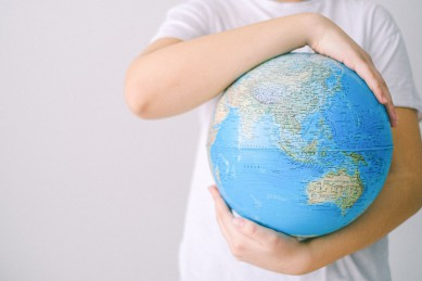 Глобальные цели и маленькие шаги: почему известные блогеры и селебрити выбирают эко-ответственные бренды