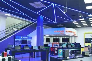 Мега-формат: у Києві відкрився супермаркет з максимальним вибором електроніки