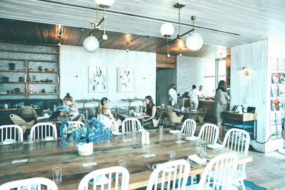 Полный локдаун или карантин выходного дня: рестораторы рассказали, какое решение лучше