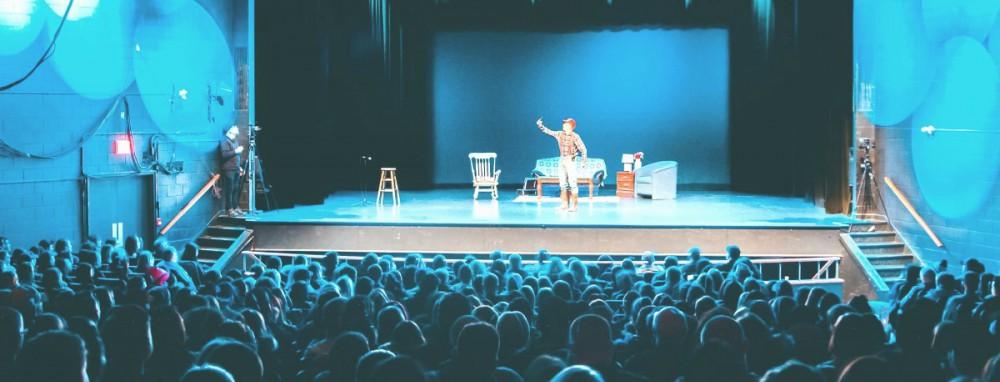 Культурный вечер: где и когда киевские театры покажут онлайн-выступления