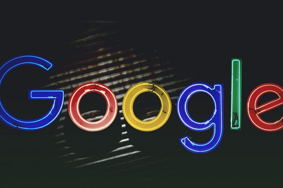 Google Maps начнет отслеживать загруженность мест, а Google Assistant распознает песню по мотиву