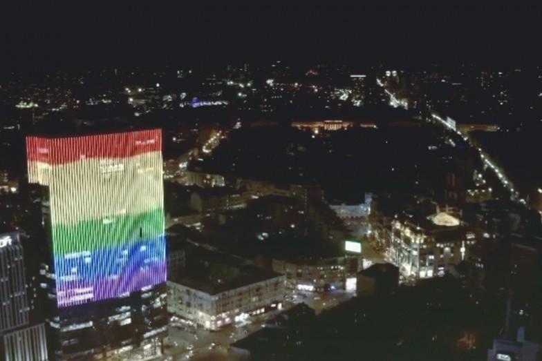 """Нацкорпус выступает против того, чтобы столичный ТРЦ """"Гулливер"""" показывал ЛГБТ-флаг"""