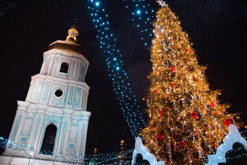 Готовимся к Новому году: какая будет елка на Софийской площади