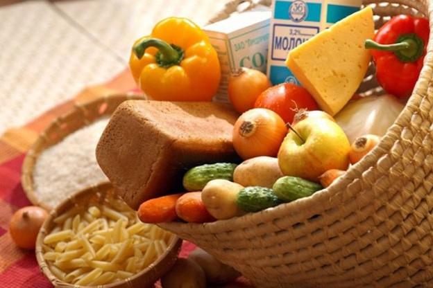 В Украине за месяц подорожал алкоголь, молочные продукты, овощи и фрукты