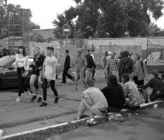Британский фотограф сфотографировал киевских рейверов на рассвете