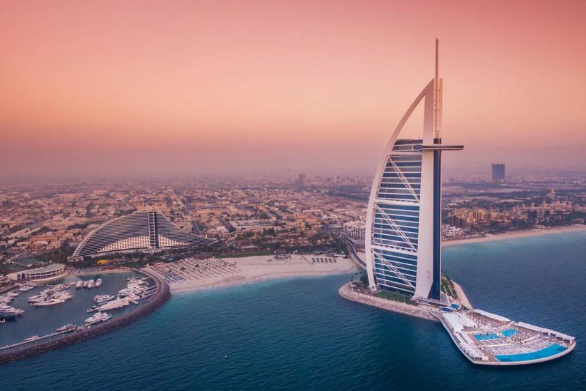 Лоукостом в Абу-Даби: Wizz Air запускает полеты из Украины в ОАЭ
