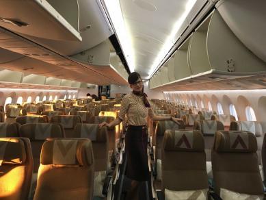 Мифы, секреты и раздражающие факторы: украинка о работе стюардессой в ОАЭ