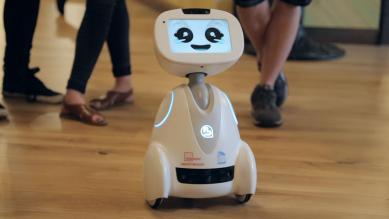 Робот-помощник и умные наушники: 11 новых гаджетов, которые мы захотим в этом году