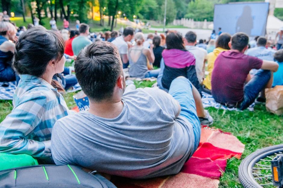 6 кинотеатров под открытым небом для отдыха в столице