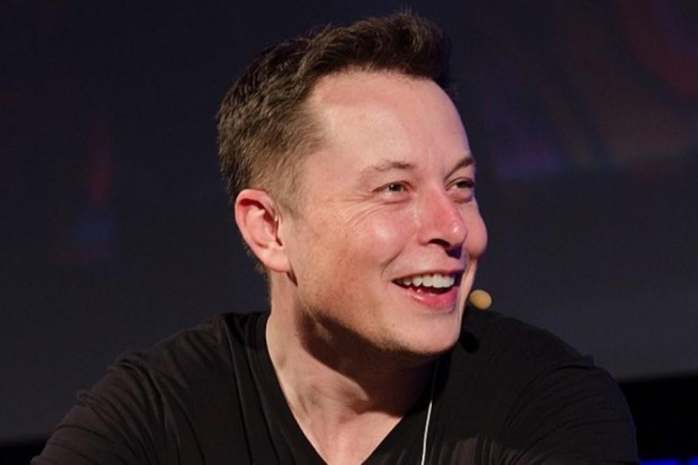 Илон Маск пошутил про захваченный автобус в Луцке