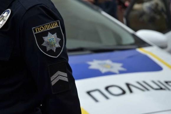 В Киев из Полтавы выехал автомобиль с вооруженным гранатой мужчиной. Что происходит
