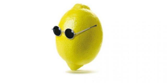 """Вдова Леннона добилась запрета лимонада """"Джон Лемон"""""""