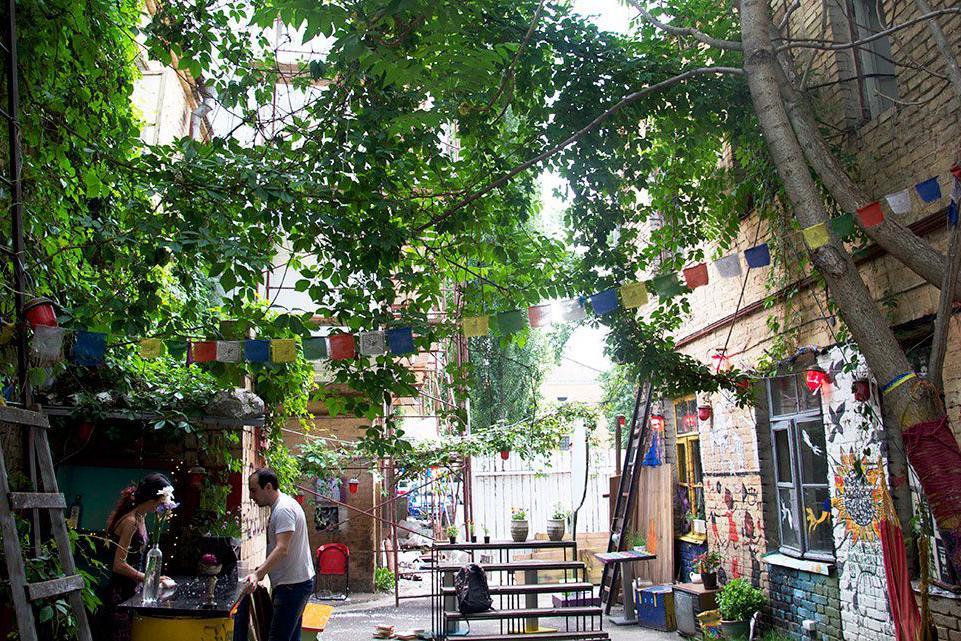 7 киевских двориков и скверов, где нужно обязательно побывать этой весной