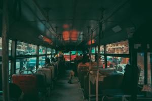 10 правил этикета в общественном транспорте, которые нам действительно нужны