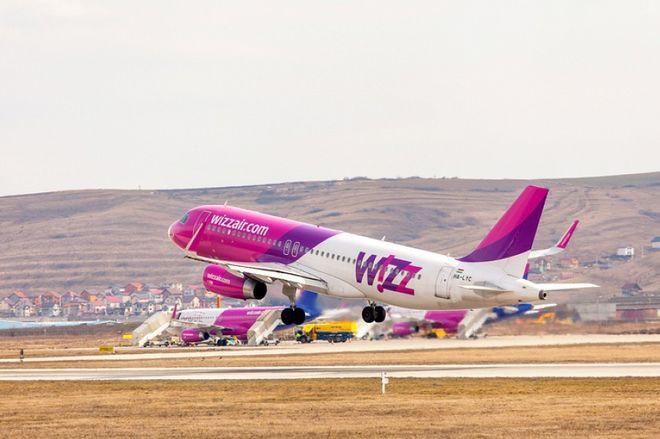 Уже в этом месяце международные авиакомпании возобновляют рейсы из Украины