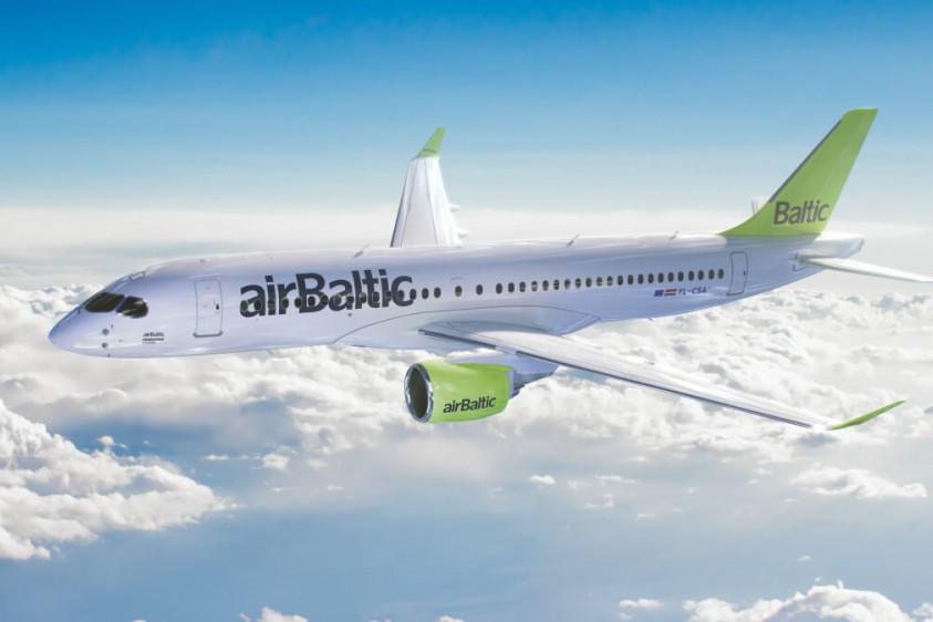 Латвийская авиакомпания после возобновления полетов вдвое сократит расписание