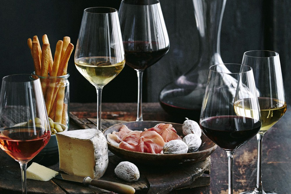 Жители Украины накупили вина почти на 8 миллиардов гривен