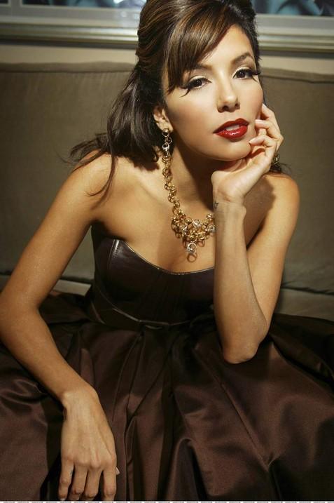 Ева Лонгория шокировала лицом без макияжа