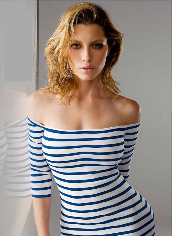 Актриса Джессика Биль признана самой опасной знаменитостью в Сети. Фото