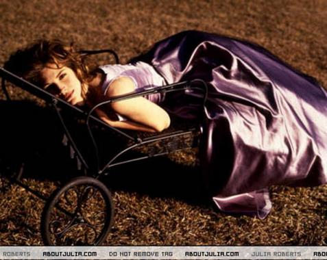 Голливудская актриса Джулия Робертс игнорирует салоны красоты