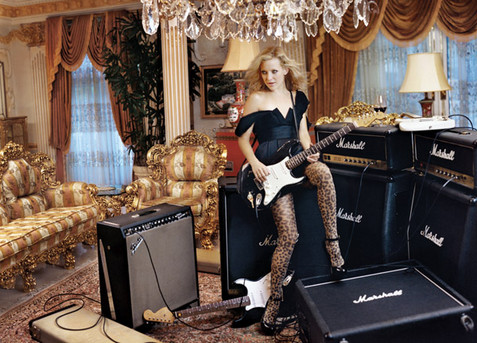 Кейт Хадсон встречается только с богатыми и знаменитыми