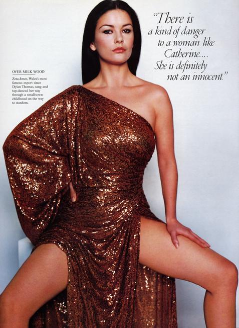 Голливудская звезда Кэтрин Зета-Джонс устроила скандал в Санкт-Петербурге. Фото