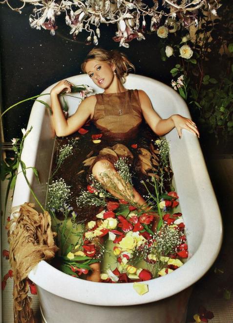 Ксения Собчак закрутила роман с женатым мужчиной. Фото