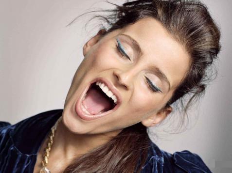 Стали известны детали нового сборника хитов Нелли Фуртадо