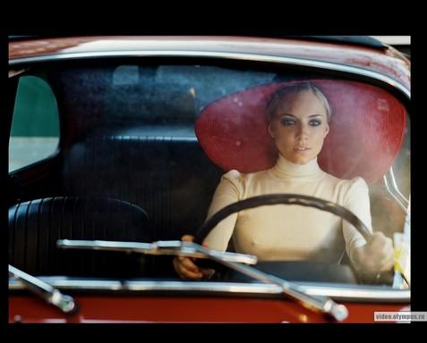 Сиенна Миллер – новое лицо аромата Hugo Boss Orange. Фото